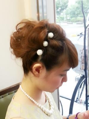 ショートヘアの結婚式ゲストスタイル