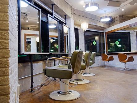 clover hair room1