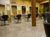 8 [hacchi] hair factory 東松山店