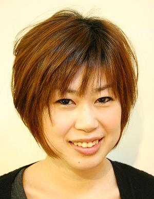 頭の形をきれいに見せる☆小顔Aラインショート☆