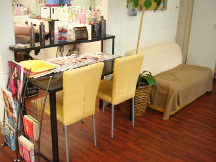 美容室 Gimick 町屋店2