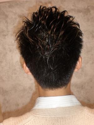 黒髪×ウェットな質感の王道スタイル
