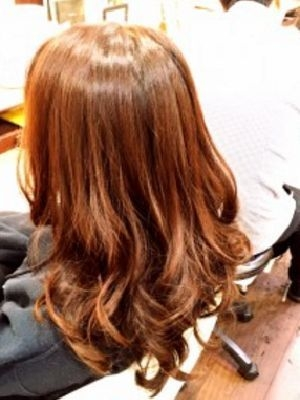 オレンジブラウン 巻き髪mix