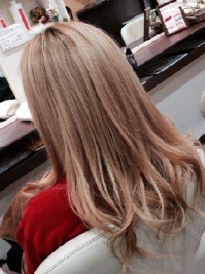 ハイトーン 巻き髪