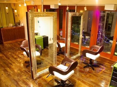 haircut and makeup Sava1