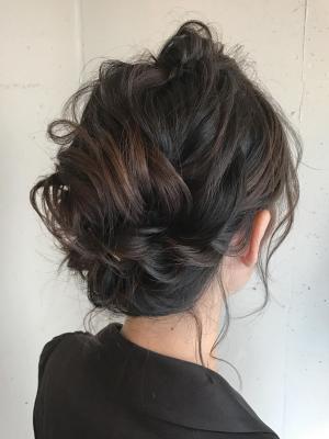 前髪ポンパのアップスタイル
