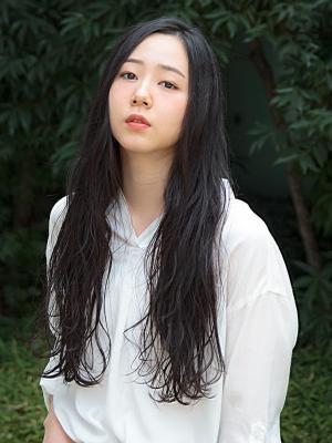 黒髪×外国人風ほつれウェーブ