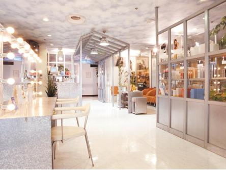 hair cutting garden Jacques Moisant 横浜そごう店3