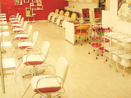 Hair studio UN2