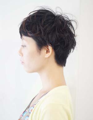 ICHI[ナチュラル]黒髪にも似合う大人ショート