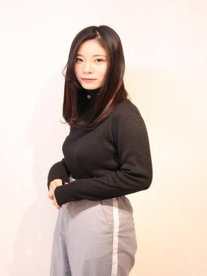 Lia by KENJE&山崎桃花 ナチュストレート