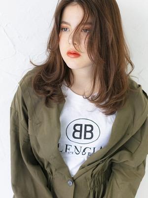 外国人風カラー無造作ヘアシースルーバングミディアムヘア20代