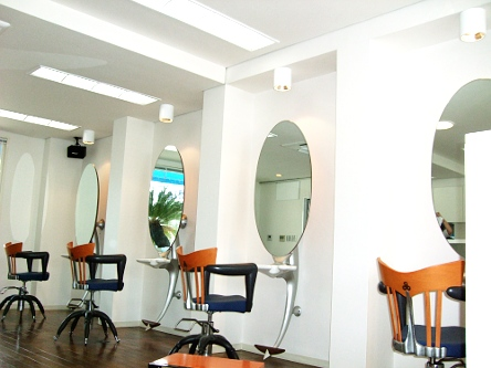 Hair Studio Dolphin2