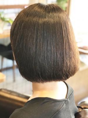 柔らかな質感の縮毛矯正スタイル