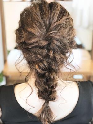編み込みヘアアレンジ ダウンスタイル
