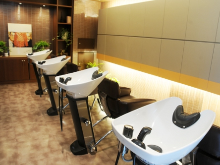 hair cutting garden Jacques Moisant 表参道店3