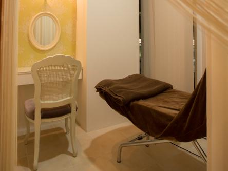 aile  total beauty salon 4
