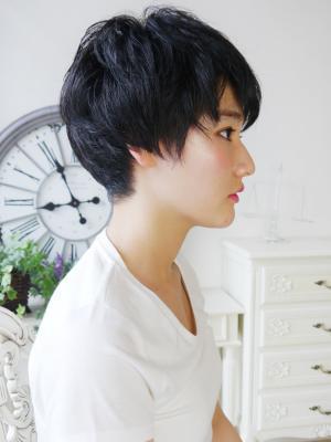 クール可愛い黒髪美人ショート