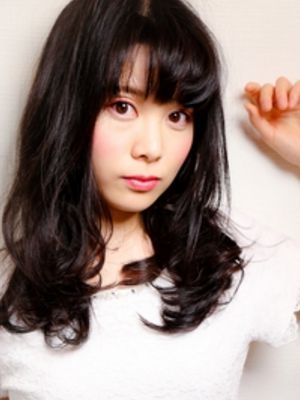 【黒髪+フロントパーマ】リッチカール×セミディ