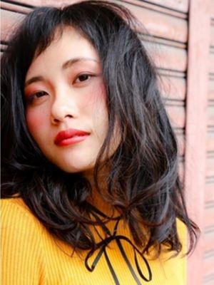 【柔らかな動き】黒髪×ユルカールミディアム