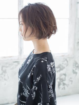 フェザーボブスタイル【IDs/聖蹟桜ヶ丘駅】