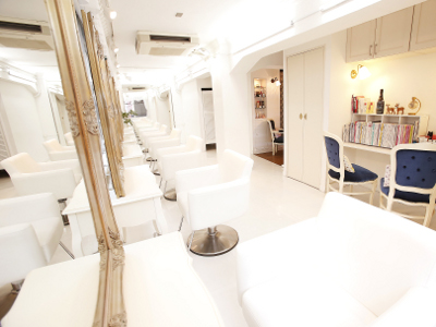 Hair Lounge Le'vie1