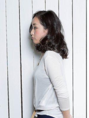 秋冬は黒髪で知的に凛々しく、愛されスタイル@西梅田