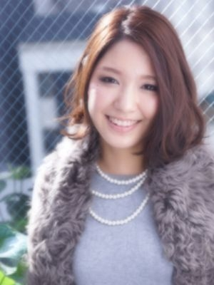 秋冬は上品ヌード髪ラフなオシャレ上級者ボブ@西梅田