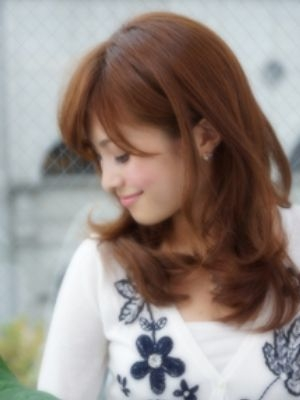 夏秋のオフィスにハマる耳かけふわミディで魅力的に☆@西梅田