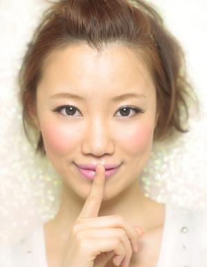 黒髪で小顔ゆるふわパーマヘアカタログ~顔型別アレンジ009