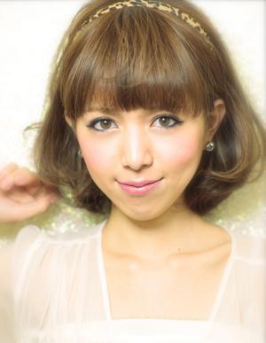 黒髪で小顔ゆるふわパーマヘアカタログ~顔型別アレンジ012