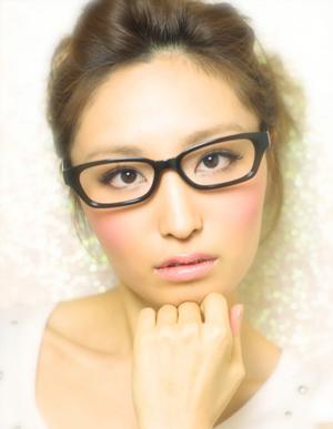 黒髪で小顔ゆるふわパーマヘアカタログ~顔型別アレンジ048