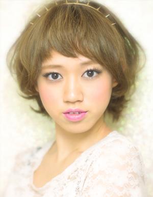 黒髪で小顔ゆるふわパーマヘアカタログ~顔型別アレンジ096