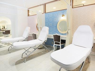 LOUVRE Total beauty Salon 3
