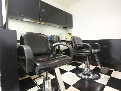 CHARISMA hairdressers2