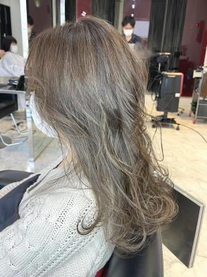 【D'ciel小梛】ロングX白髪ぼかしハイライトカラー