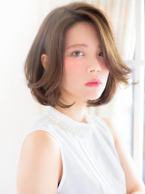 【aRietta】かきあげた前髪が大人カジュアルなボブディ