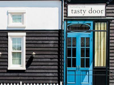 tasty door4