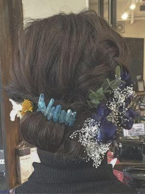 シンプルなまとめ髪スタイル
