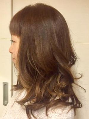 ツヤツヤ巻き髪