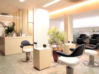 Le Moda salon1
