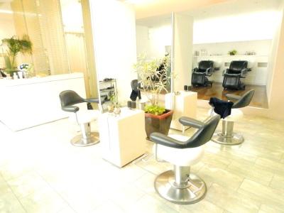 Le Moda salon2