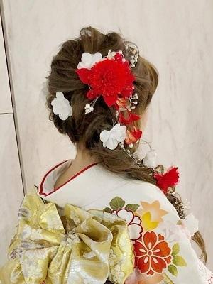 可愛い編みおろしヘアと振袖