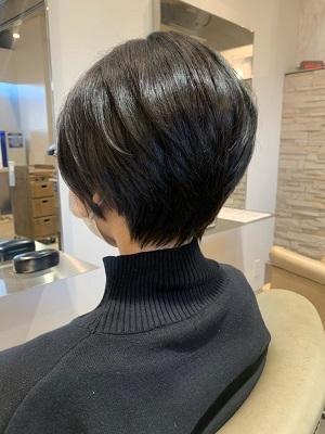 【首元すっきり、黒髪ハンサムショートヘア】