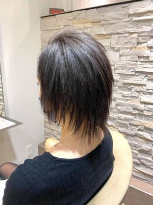 """髪質改善ストレートで""""ウルフ×シャギー""""のシャープスタイル♪"""