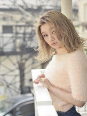 ざっくりセンターパートのホワイトベージュカラー☆【coii】