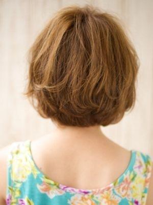 ハイトーンカラーで抜け感たっぷりヘア