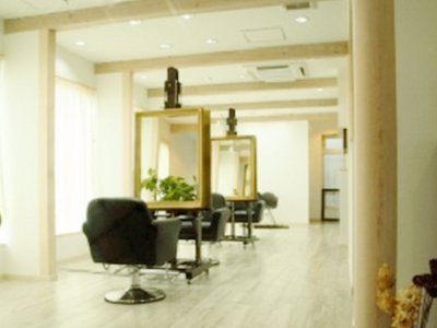 RIQUE HAIR AND MAKE UP1