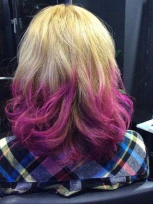 原色ピンクグラデーションカラー
