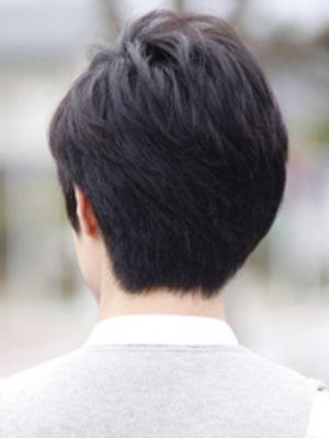 黒髪アシンメトリースタイル